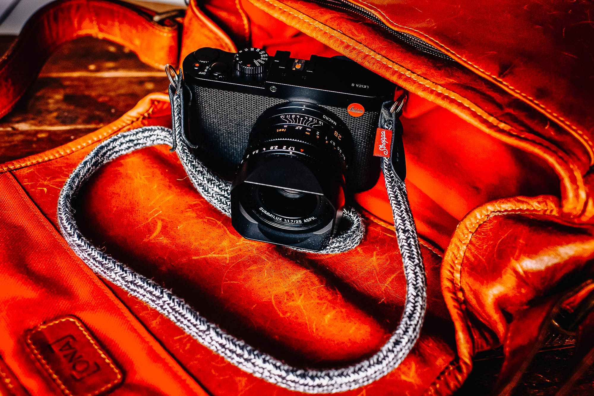 Leica Q, Ona Berlin II bag for Leica and Stroppa Flat Duo strap in grey