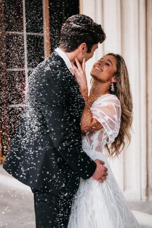 bride groom wedding snowfetti
